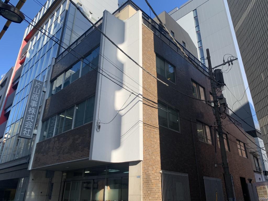 ロープアクセスタイル交換|東京都千代田区|ビル